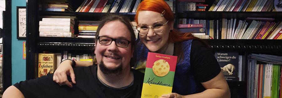 Musikalische Lesung aus Käsablanca mit Stefan Goebels und Gabriele Golsch im Literaturcafé Khawaran in Hürth